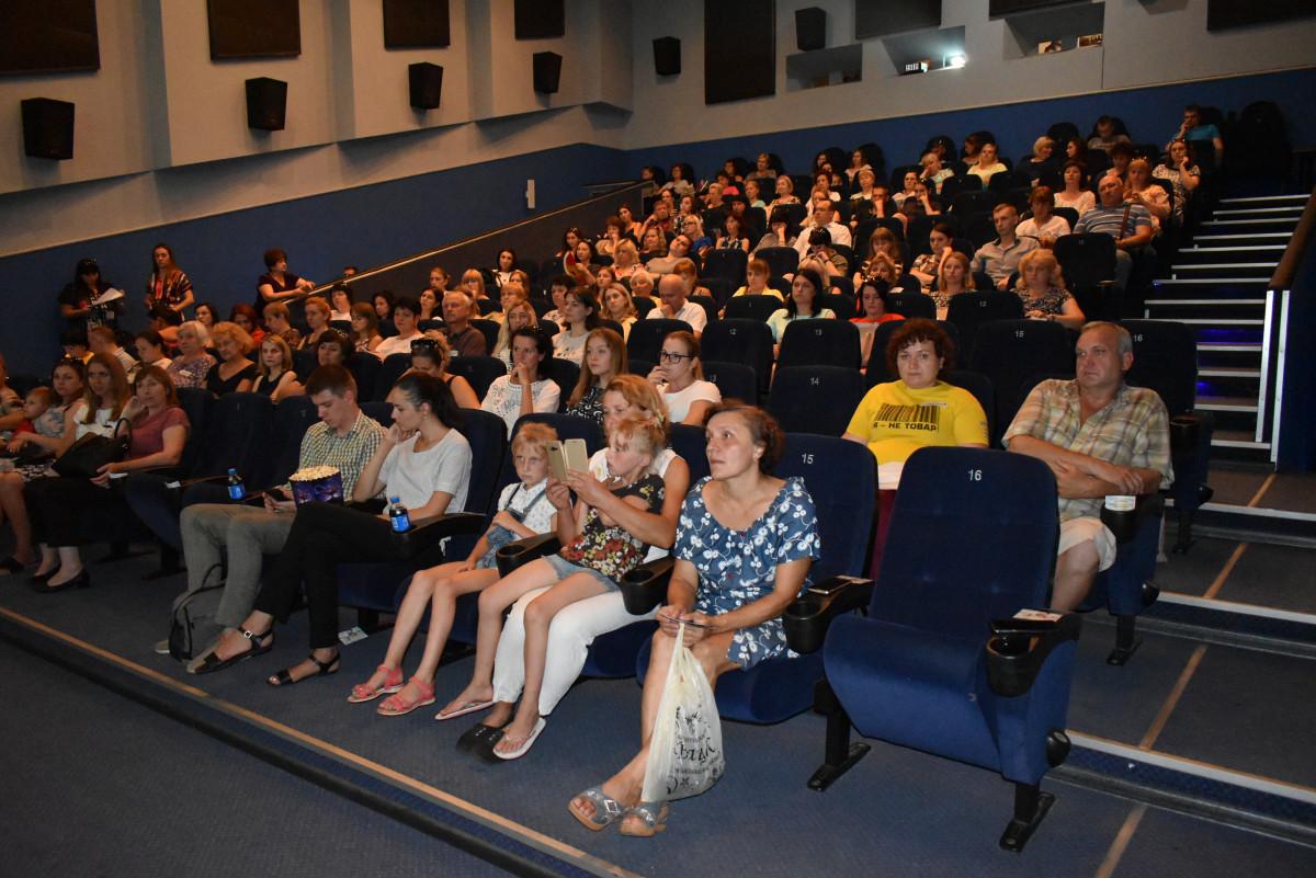 У Луцьку до Дня протидії торгівлі людьми показали фільм «Жінка в полоні»