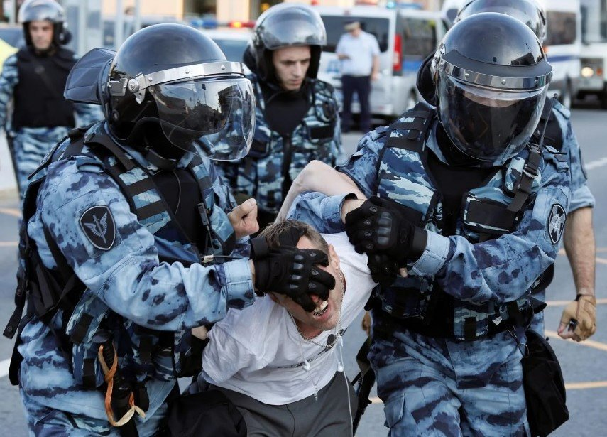 В Україні закликають Радбез ООН відреагувати на насильство у столиці Росії