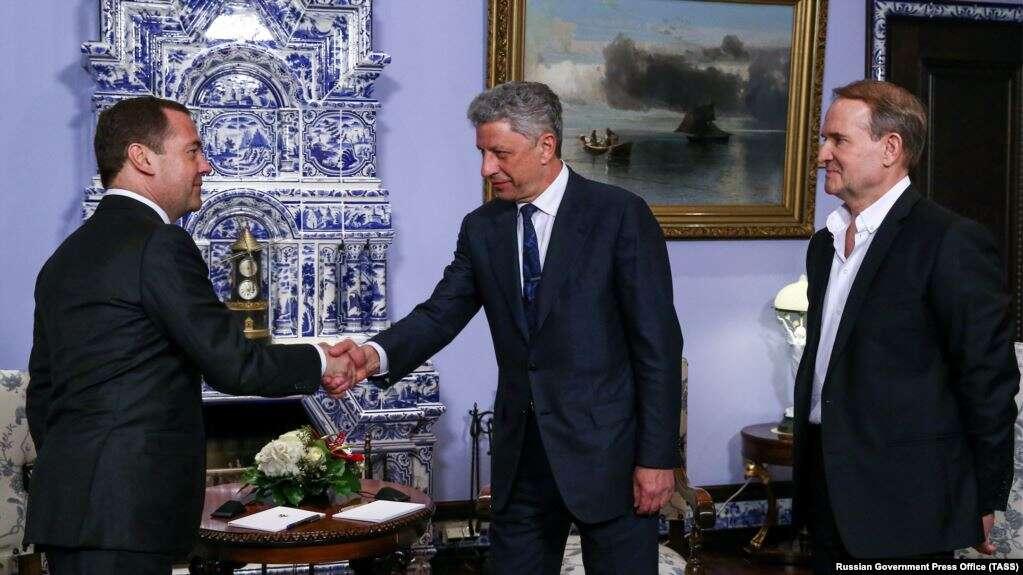Бойко і Медведчук знову проводять зустріч з Медведєвим у Росії