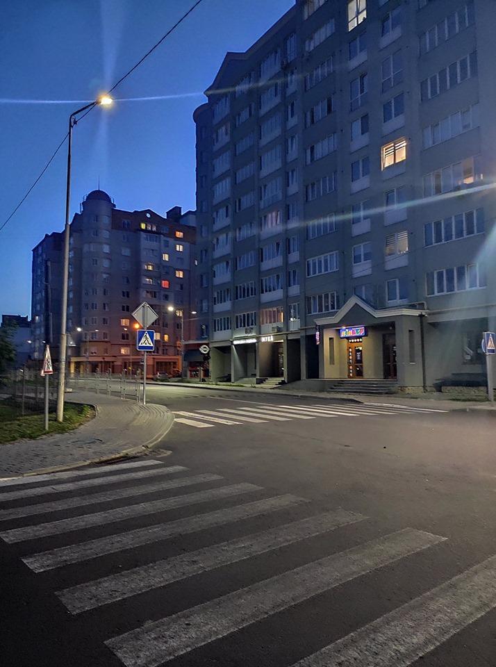 У Луцьку показали європейське освітлення вулиці