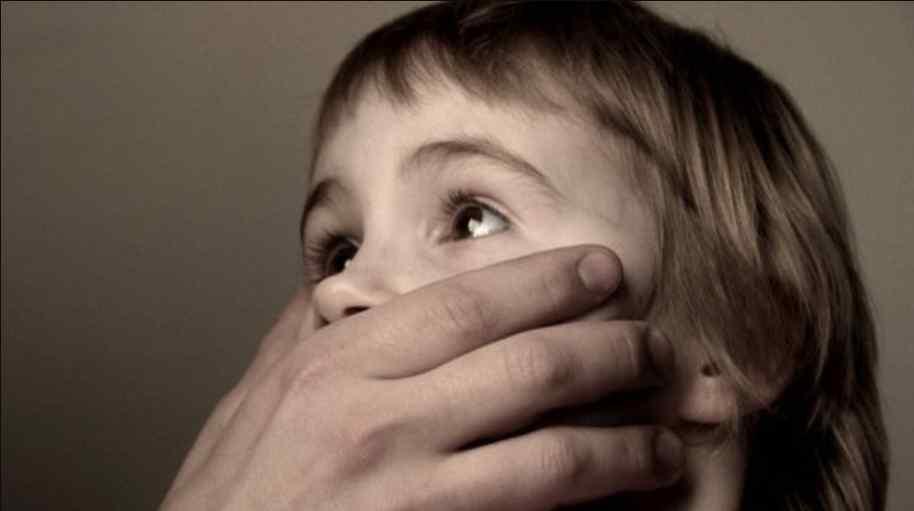 На Волині затримали чоловіка, якого підозрюють у розбещенні 6-річної дівчинки