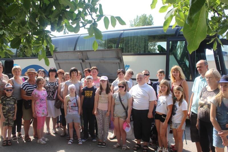 Діти та молодь з особливими потребами з Волині провели відпочинок на морі. ФОТО