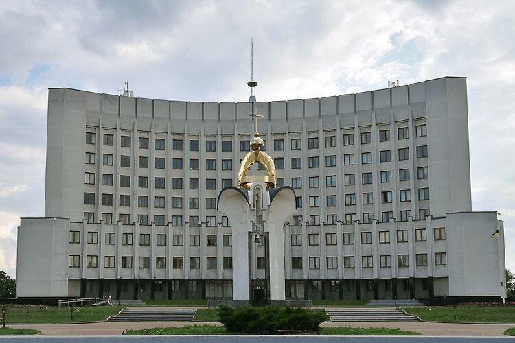 На позачерговій сесії Волинської облради обговорять питання щодо припинення повноважень двох депутатів
