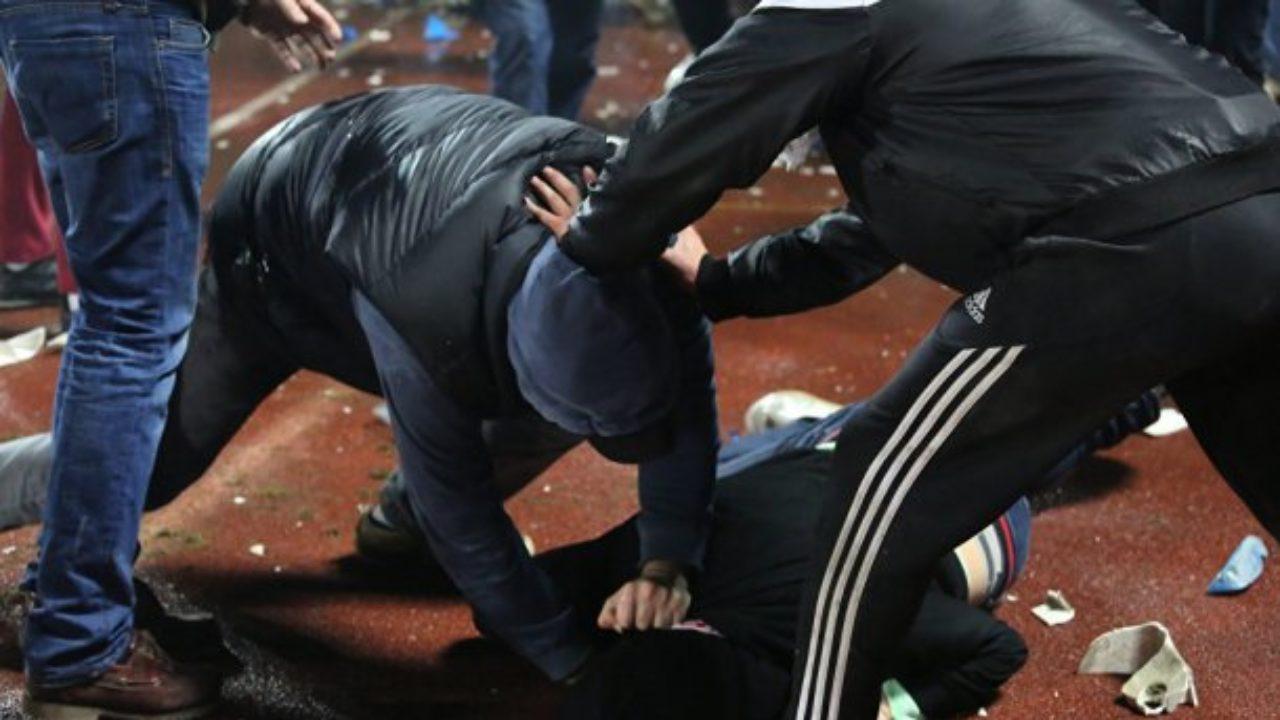У Луцьку троє невідомих побили та пограбували чоловіка на зупинці громадського транспорту