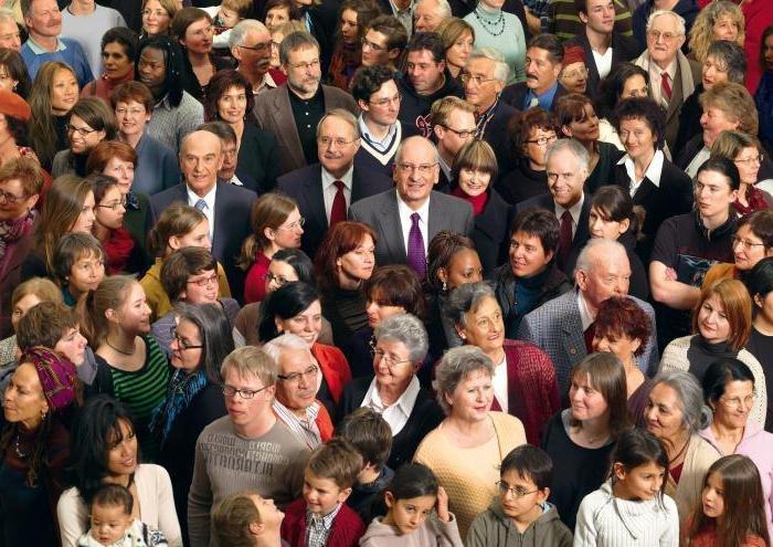Скільки людей проживає на Волині та який середній вік населення області
