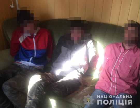 У рефрижераторі вантажівки у пункті пропуску на Волині виявили трьох іноземців