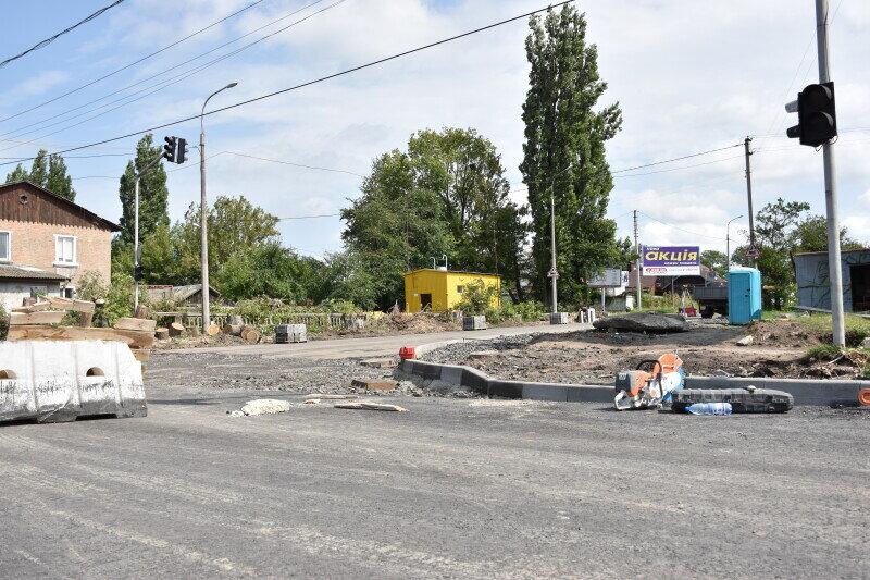 У Луцьку ремонтують дороги та пішохідні доріжки