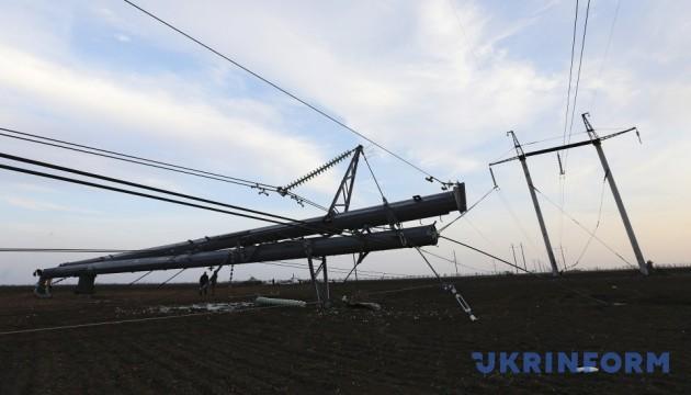 Понад 150 населених пунктів в Україні без світла через негоду