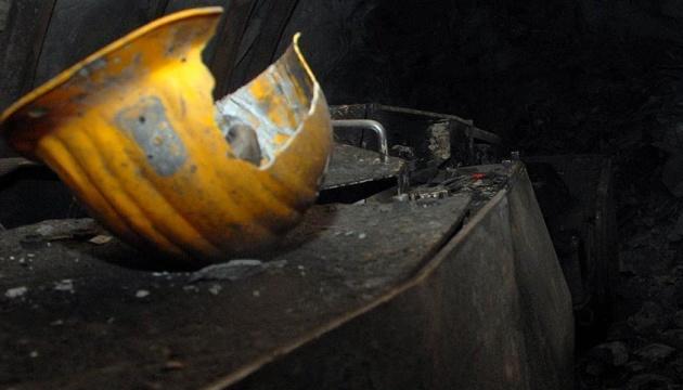 Близько 100 гірників йдуть 16 кілометрів до «Селидіввугілля» вимагати зарплату