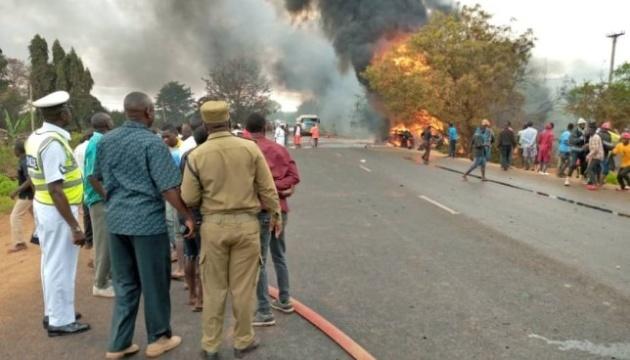 У Танзанії внаслідок вибуху бензовоза загинуло 57 людей