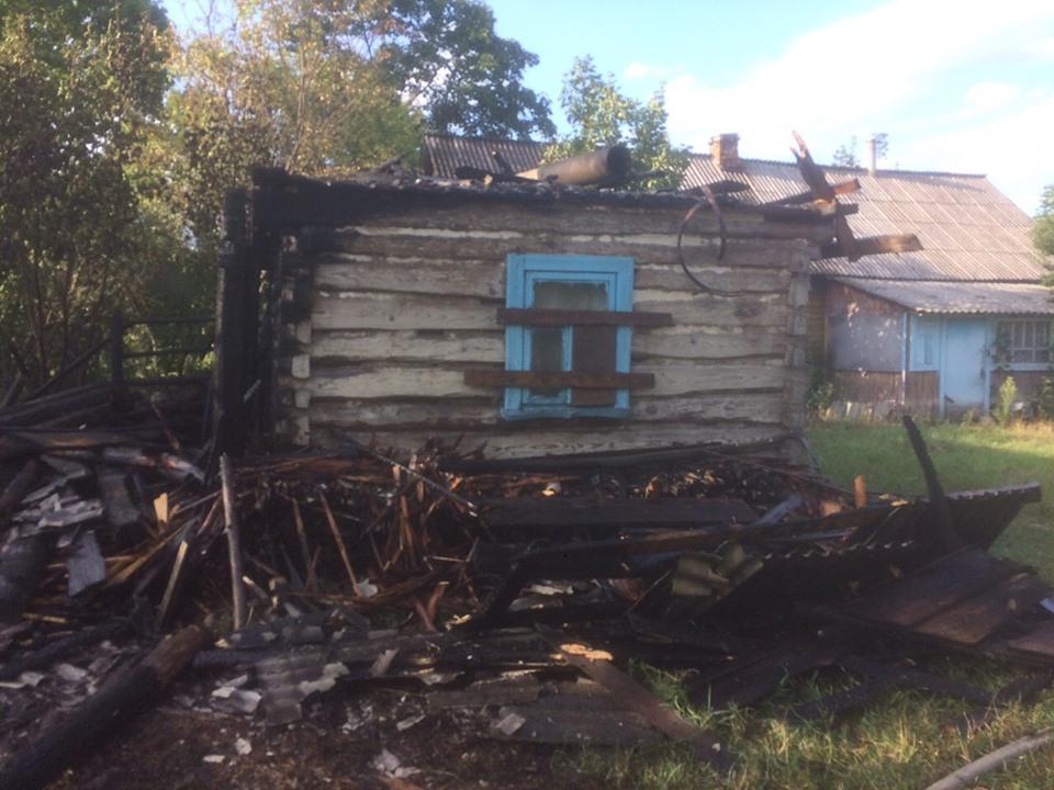 На Волині згорів будинок через необережне поводження з вогнем невідомих