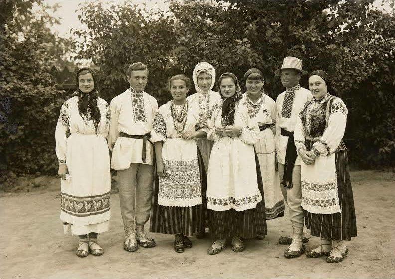 Показали, як мешканці Полісся виглядали в національному одязі майже 100 років тому