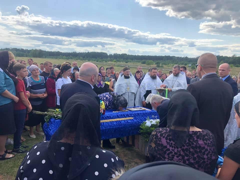 На Волині поховали 20-річного хлопця, який загинув в зоні ООС. ФОТО