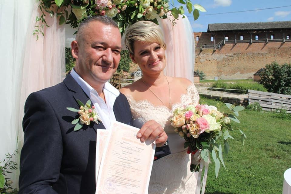 Власник луцького секс-шопу одружився