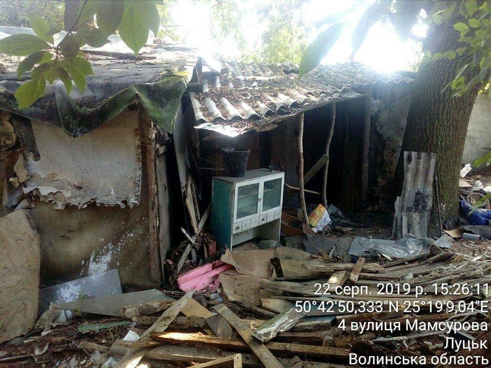 У Луцьку триває демонтаж самовільно розміщених споруд. ФОТО