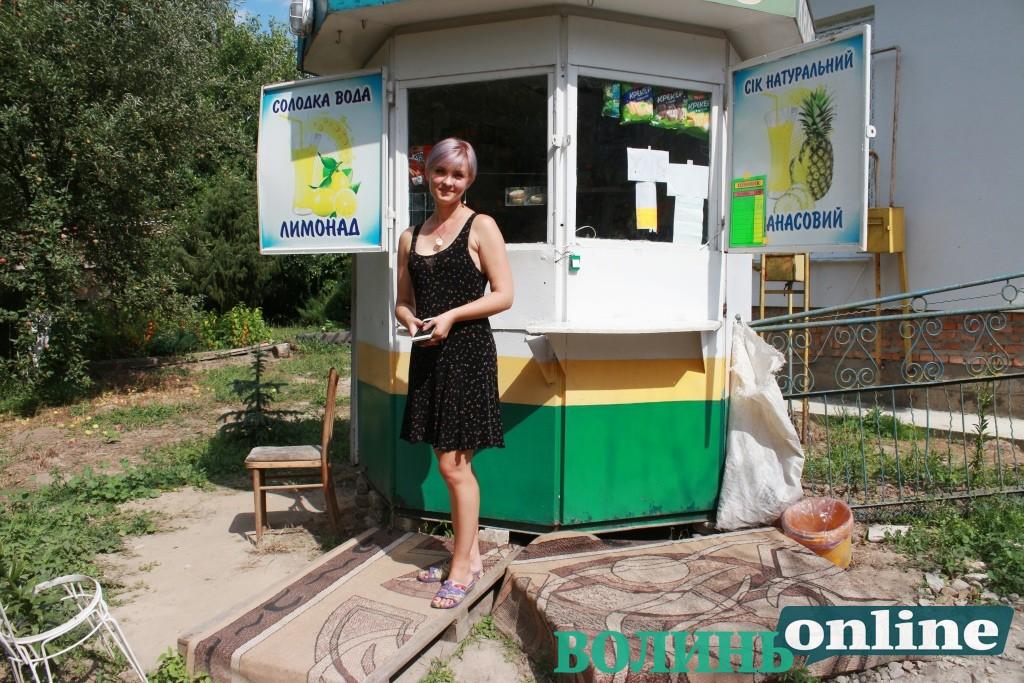 Не було навіть де купити хліба: сім'я не побоялася відкрити магазинчик у забутому волинському селі