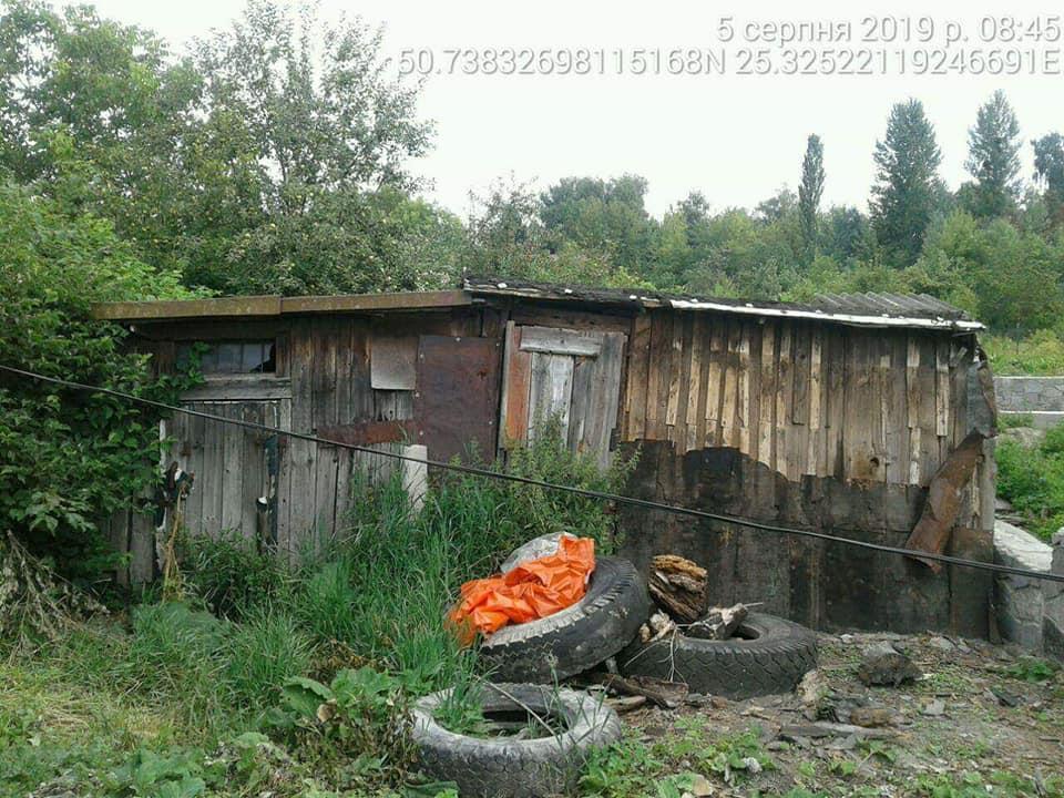 У Луцьку демонтують незаконно розміщені споруди