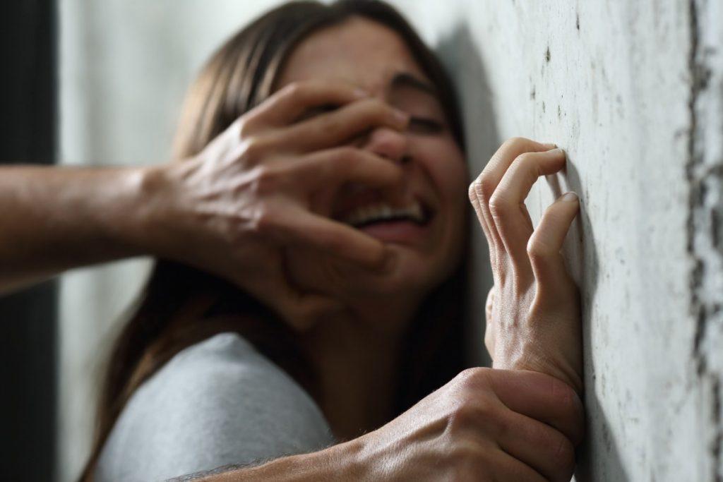 Волинянина, який зґвалтував рідну доньку взяли під варту