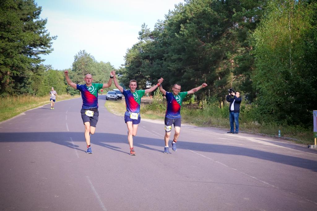 Команда «Епікуру» взяла участь в еко-марафоні «Світанок Світязя»*