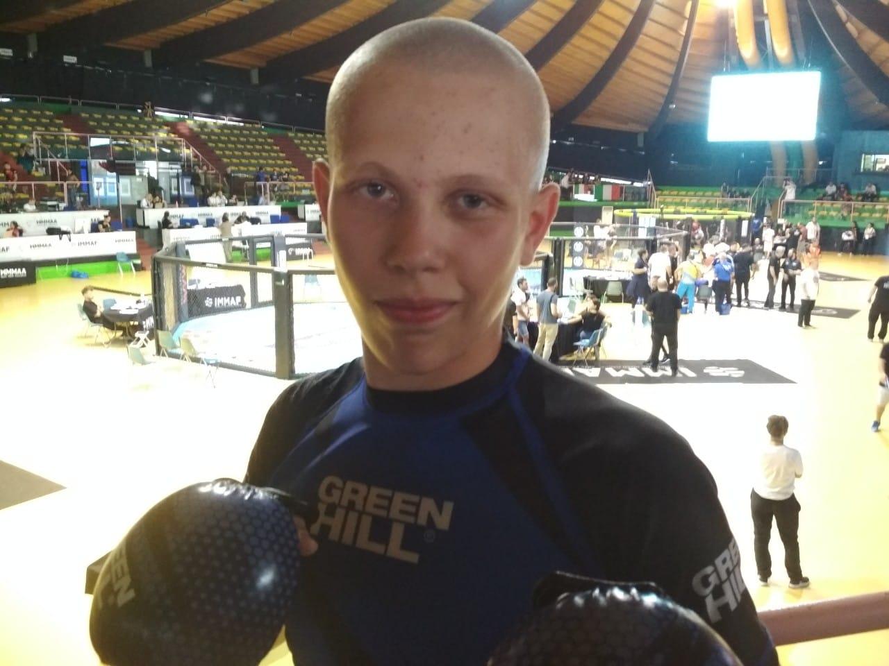 Лучанин — чемпіон світу з MMA