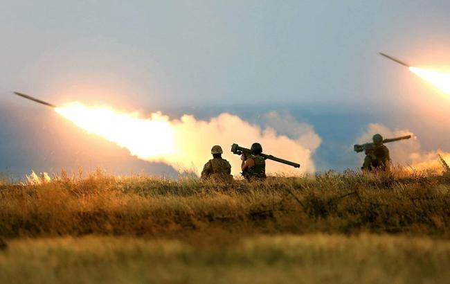 Російські окупанти продовжують порушувати режим припинення вогню на сході України