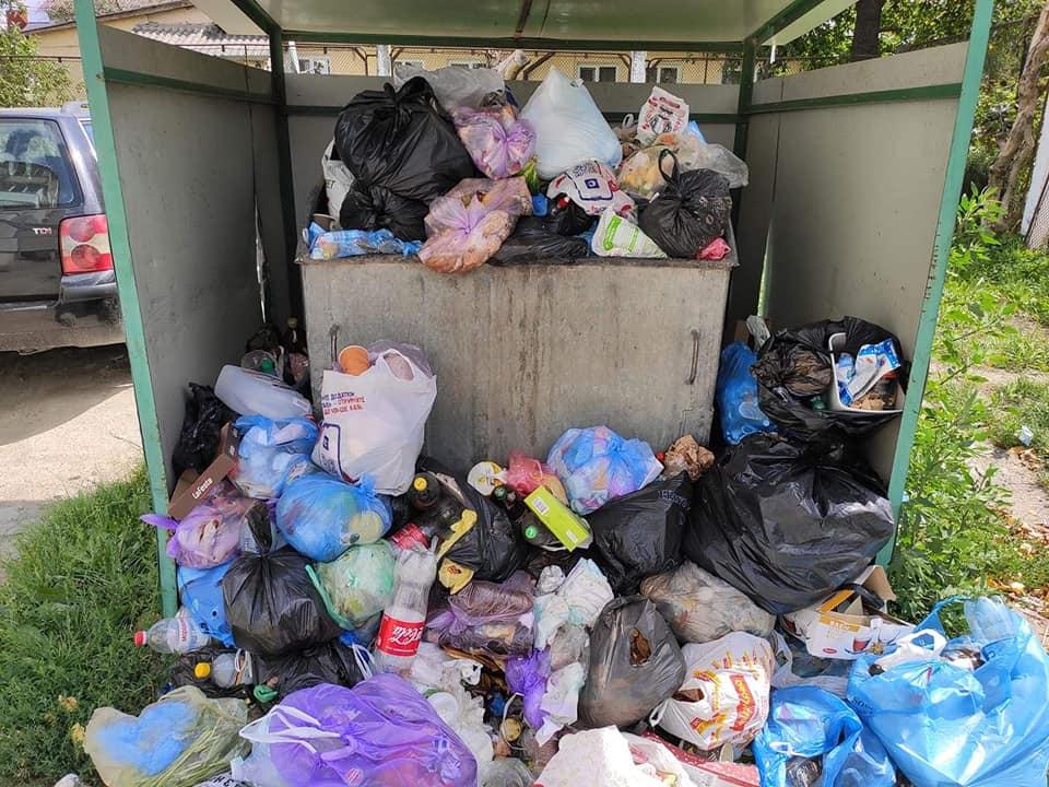 На вулиці у Луцьку не вивозять сміття