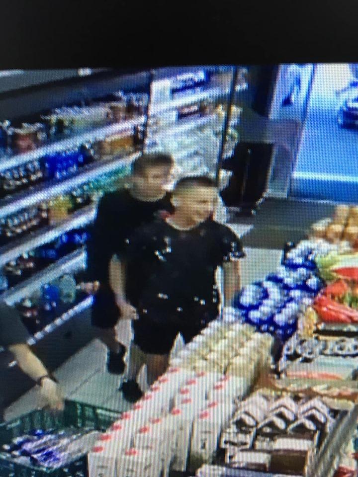 У Луцьку просять допомогти знайти підлітків, які винесли телефон із магазину