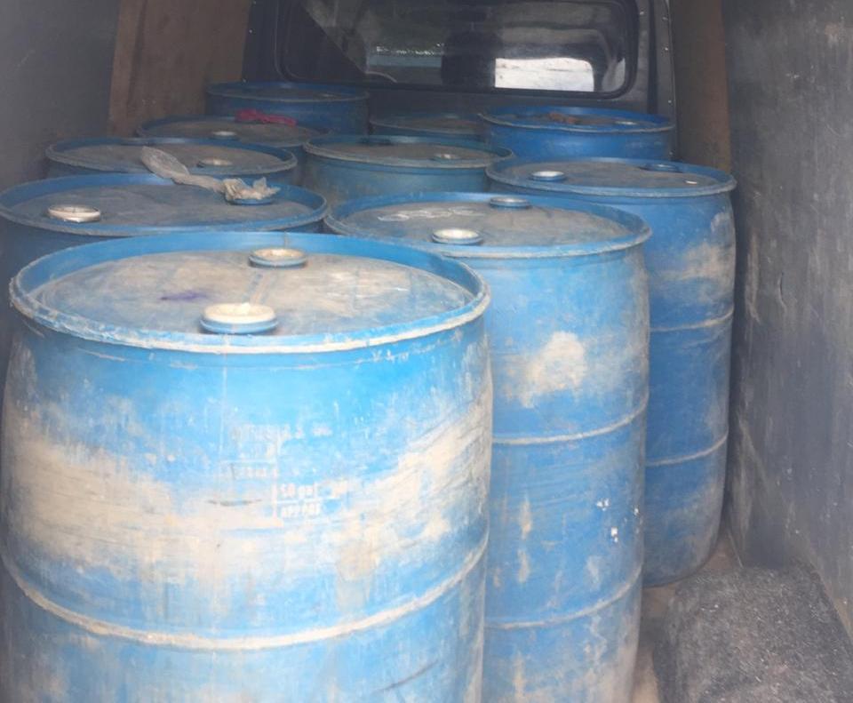 На Волині зловили чоловіка, який перевозив майже 2 тонни спирту
