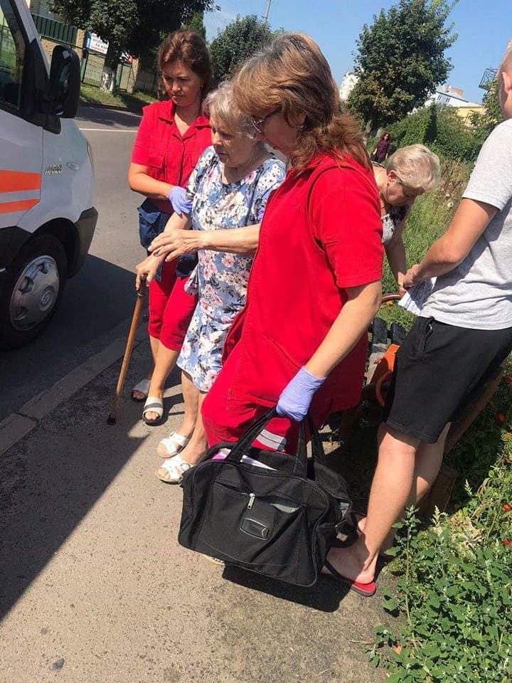 У Луцьку серед вулиці знепритомніла жінка