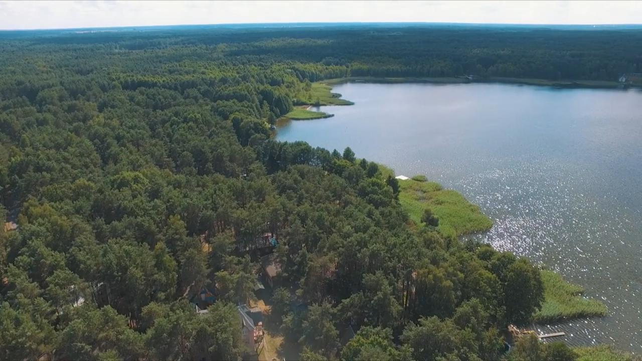 Неймовірна краса озера на Волині з висоти пташиного польоту. ВІДЕО