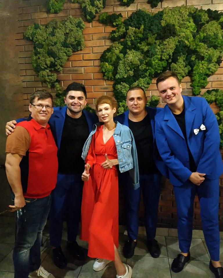 Віце-прем'єр-міністр з нареченою приїхав відпочивати на Світязь у маєток екс-депутата Луцькради