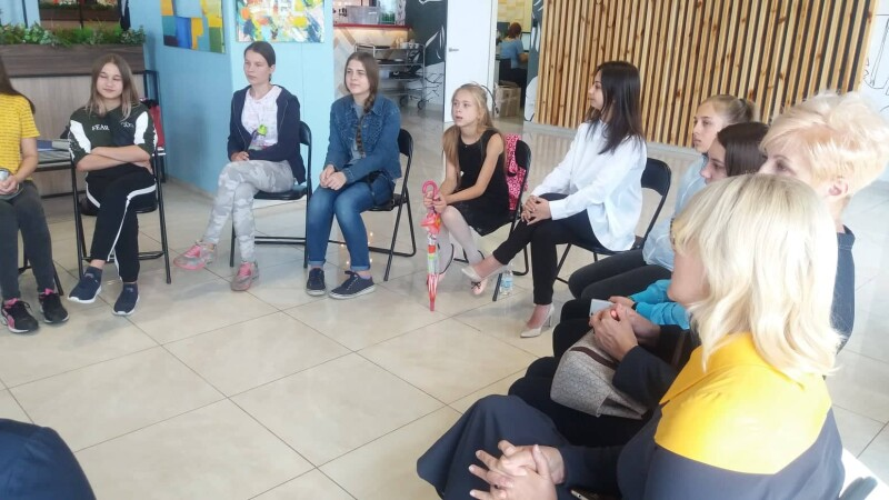 У Луцьку стартував соціальний проєкт «Щоденник підлітка». ФОТО