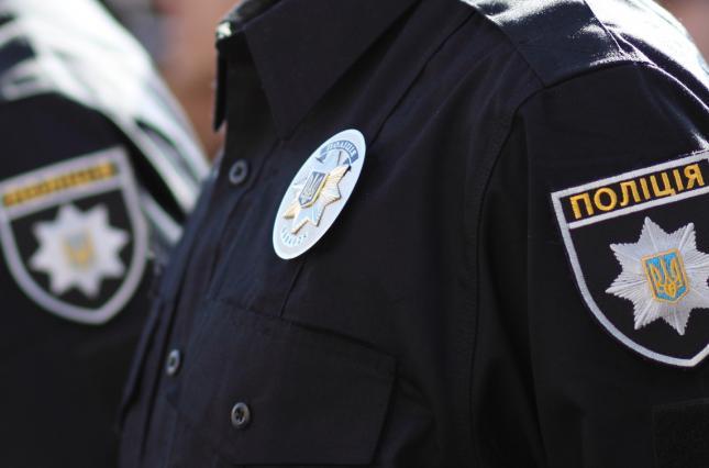 У Луцьку патрульні врятували п'яного чоловіка із задимленої квартири. ВІДЕО