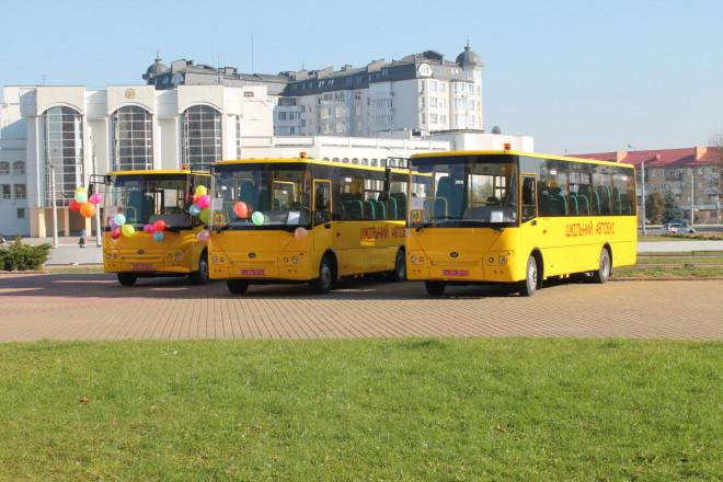 На Волині підприємство сплатило штраф за несвоєчасну поставку шкільних автобусів
