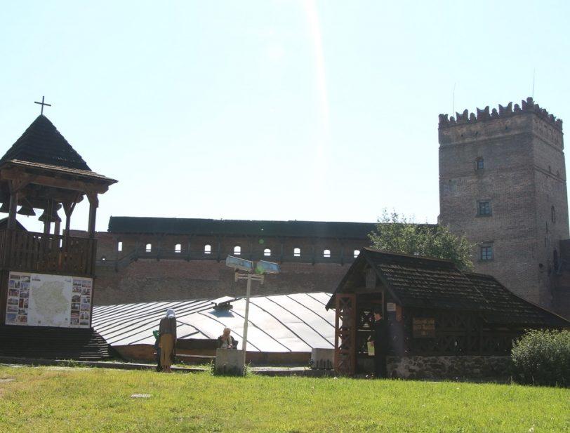 У Луцьку збирають кошти на реставрацію храму, що на території замку