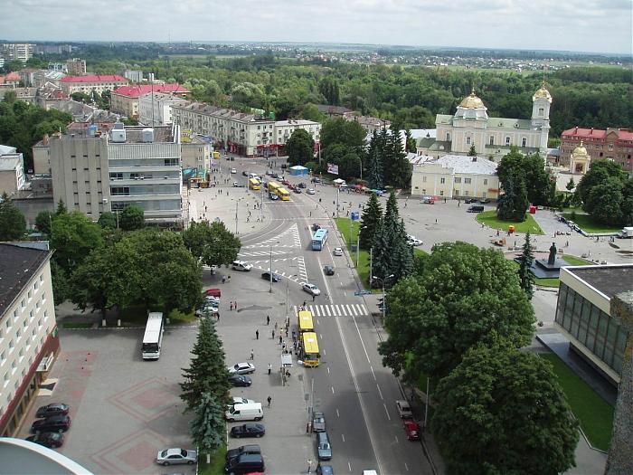 У Луцьку оголосили конкурс на кращу концепцію облаштування Театрального майдану