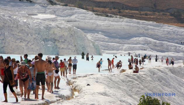 Турецький Памуккале б'є туристичні рекорди
