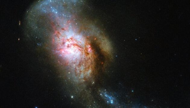 Телескоп «Hubble» зробив знімок «космічної Медузи». ФОТО