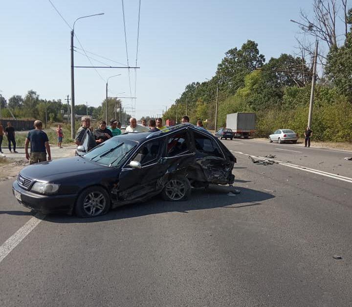 Під Луцьком ДТП за участю чотирьох автомобілів. ФОТО