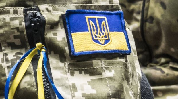 Діти замість квітів на перший дзвоник зібрали гроші для бійців Української добровольчої армії