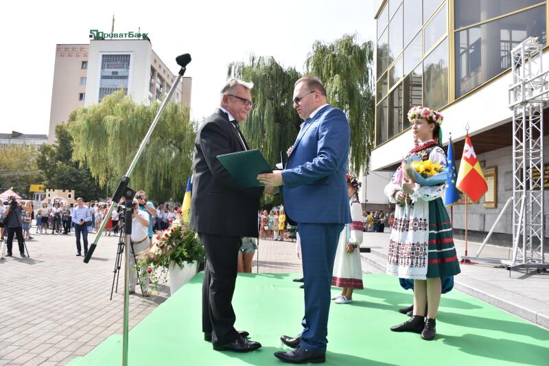 Народний артист України став «Почесним громадянином міста Луцька»