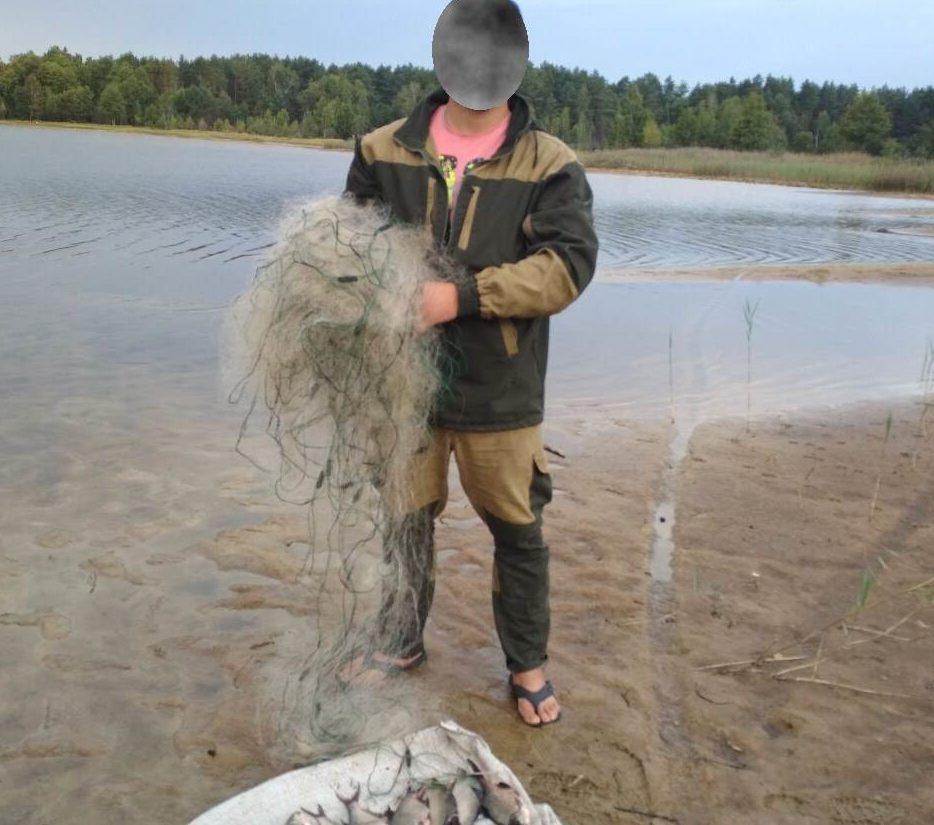 На Волині виявили порушників, які ловили рибу забороненими знаряддями
