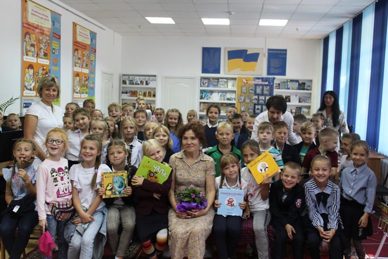 У Волинській обласній бібліотеці для дітей відбулася зустріч з письменницею Оксаною Кротюк