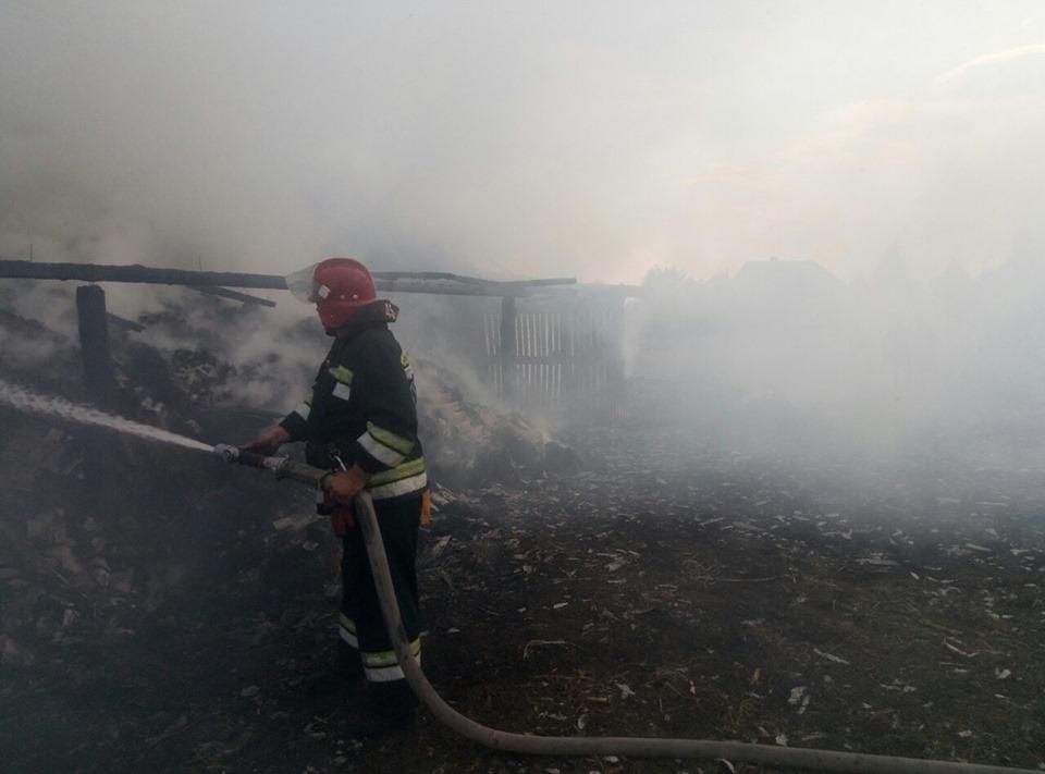 На Волині через замикання електромережі згоріла господарська споруда