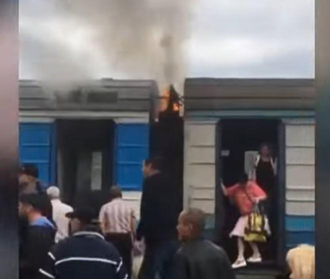 На Волині під час руху загорівся потяг. ВІДЕО