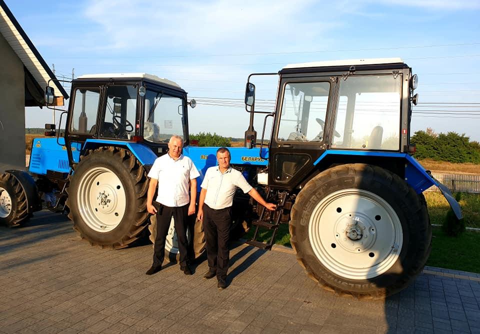 Для волинської громади придбали два трактори