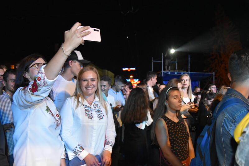 На День міста у Луцьку «запалювали» улюбленці молоді «SonyaKay» та «MamaRika»