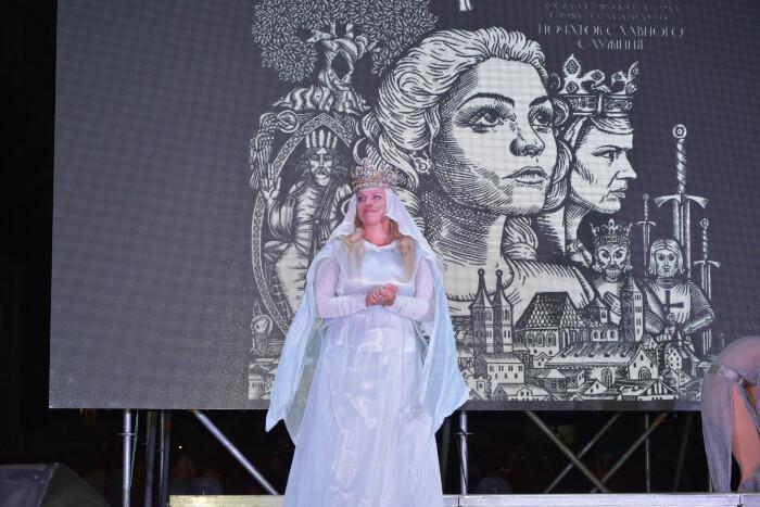 У Луцьку відбулася прем'єра вистави про доньку Анни Київської та Генріха І