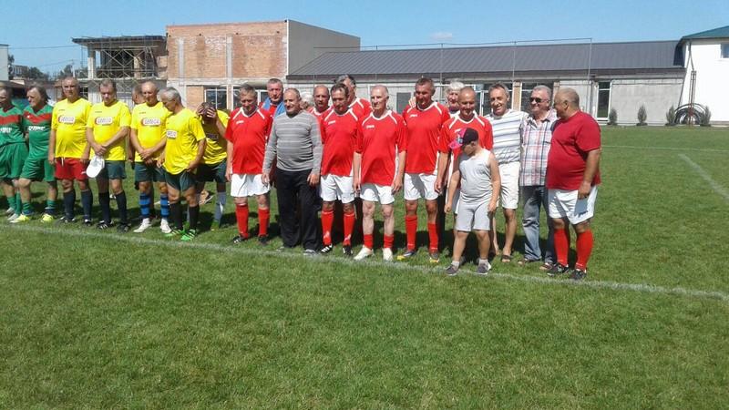 Волинські ветерани футболу здобули перемогу в іграх відкритого чемпіонату Волині