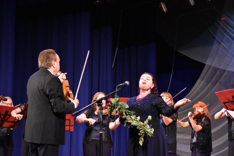 Академічний камерний оркестр «Кантабіле» привітав волинських фармацевтів класичною музикою